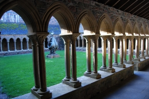 The cloister in Iona Anney